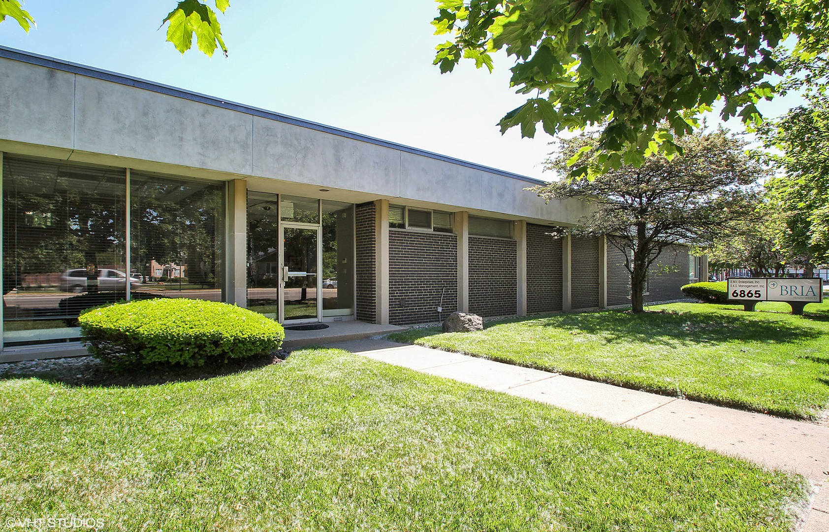 6865 Lincoln ,Lincolnwood, Illinois 60712