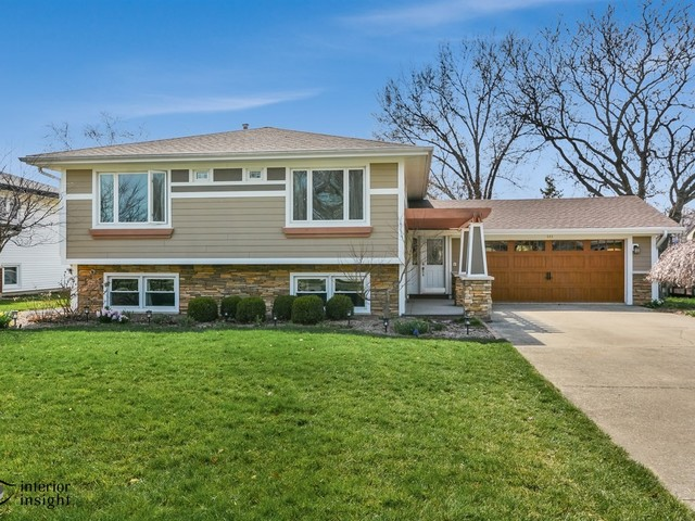 444 South Adams Street, Westmont, IL 60559