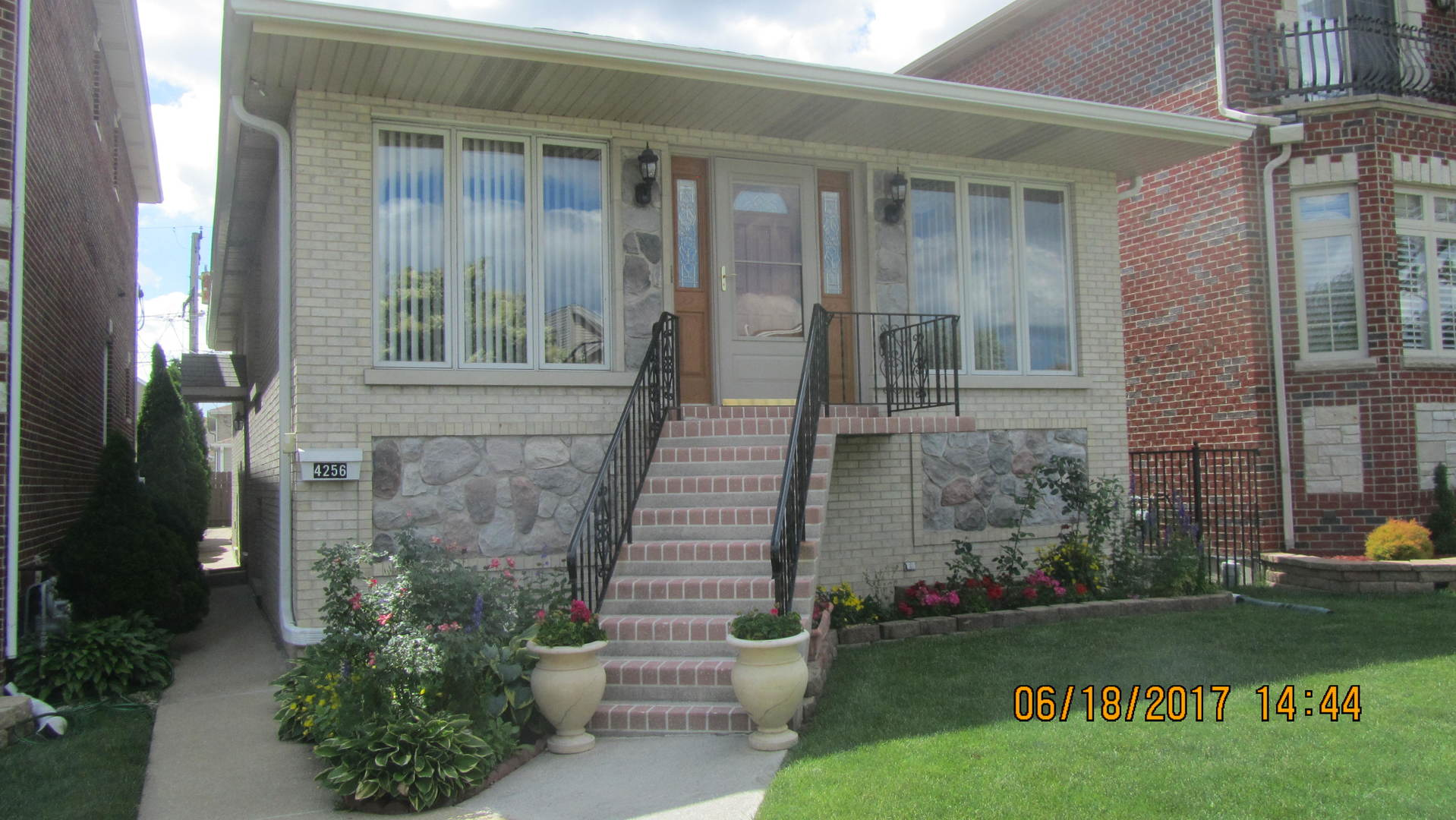 4256 NORTH NEW ENGLAND AVENUE, HARWOOD HEIGHTS, IL 60706
