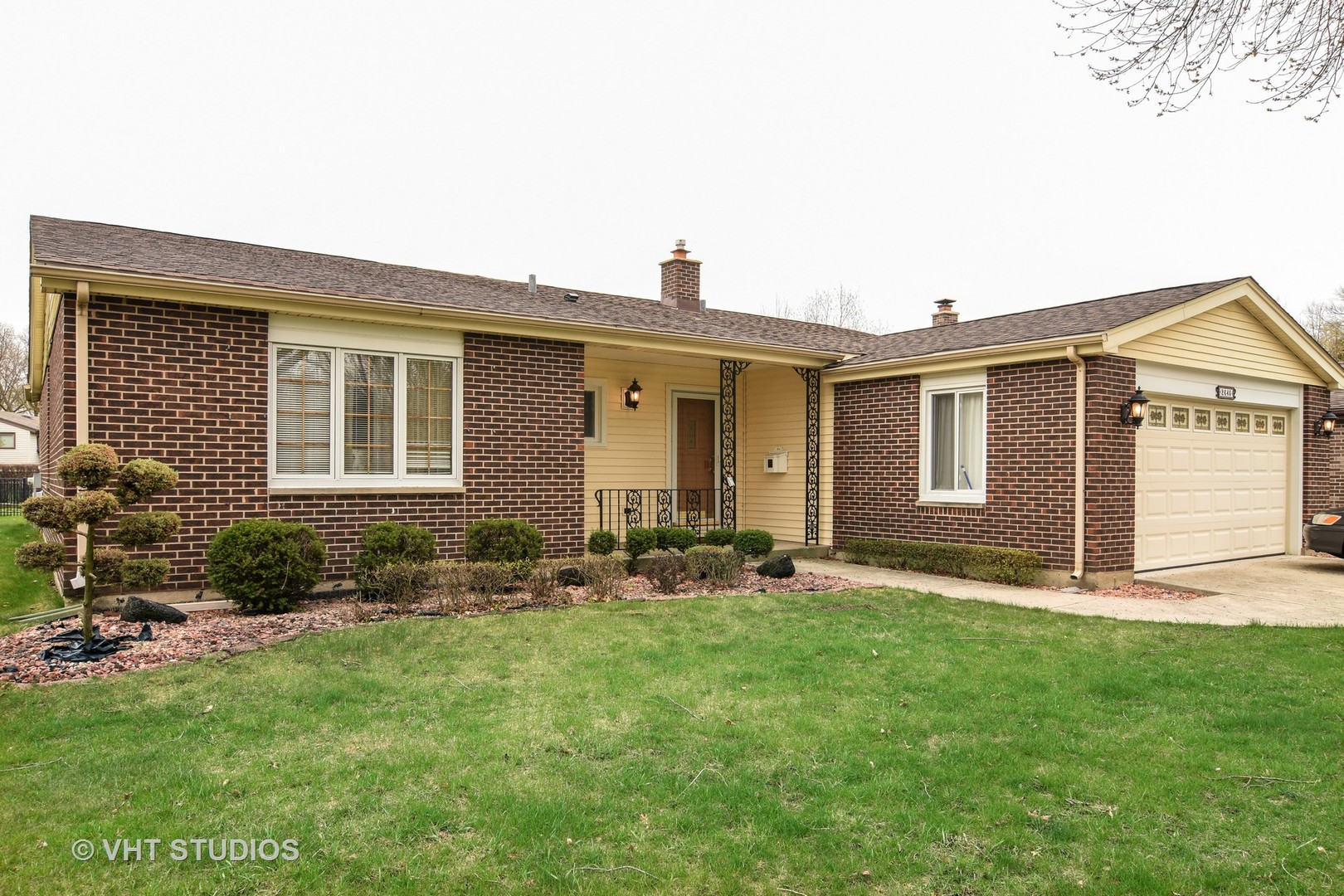 2645 North Forrest Lane, Arlington Heights, IL 60004