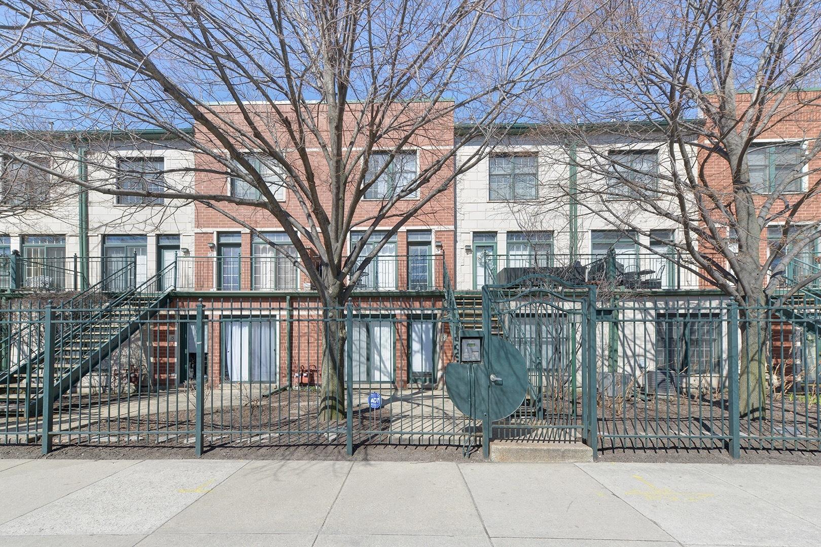 1812 South State Street, Chicago, IL 60616