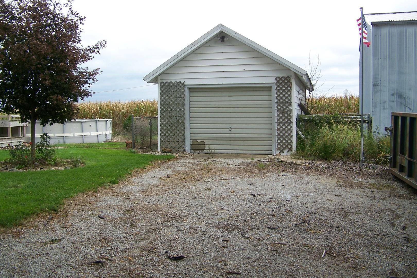 30846 e. 400 N ,Strawn, Illinois 61775