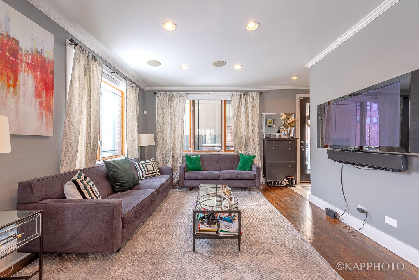 1 N Bishop St apartments for rent at AptAmigo