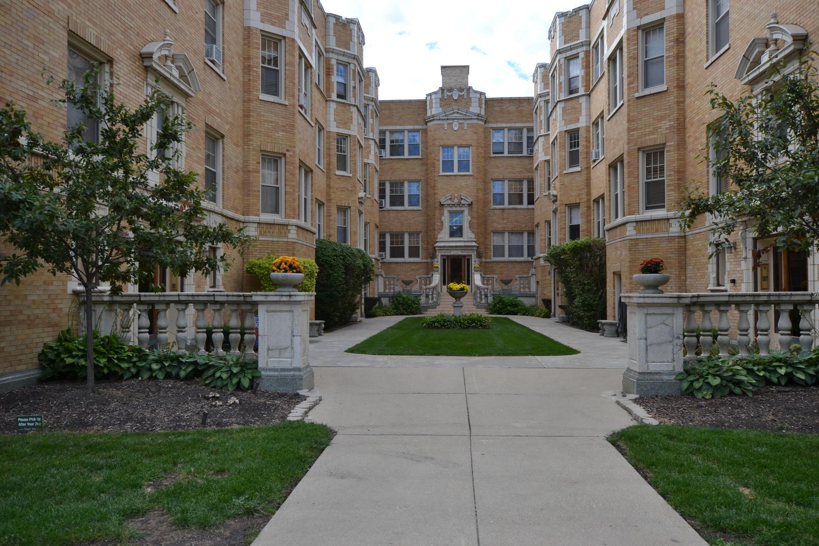 Photo of 247 Washington Oak Park  60302