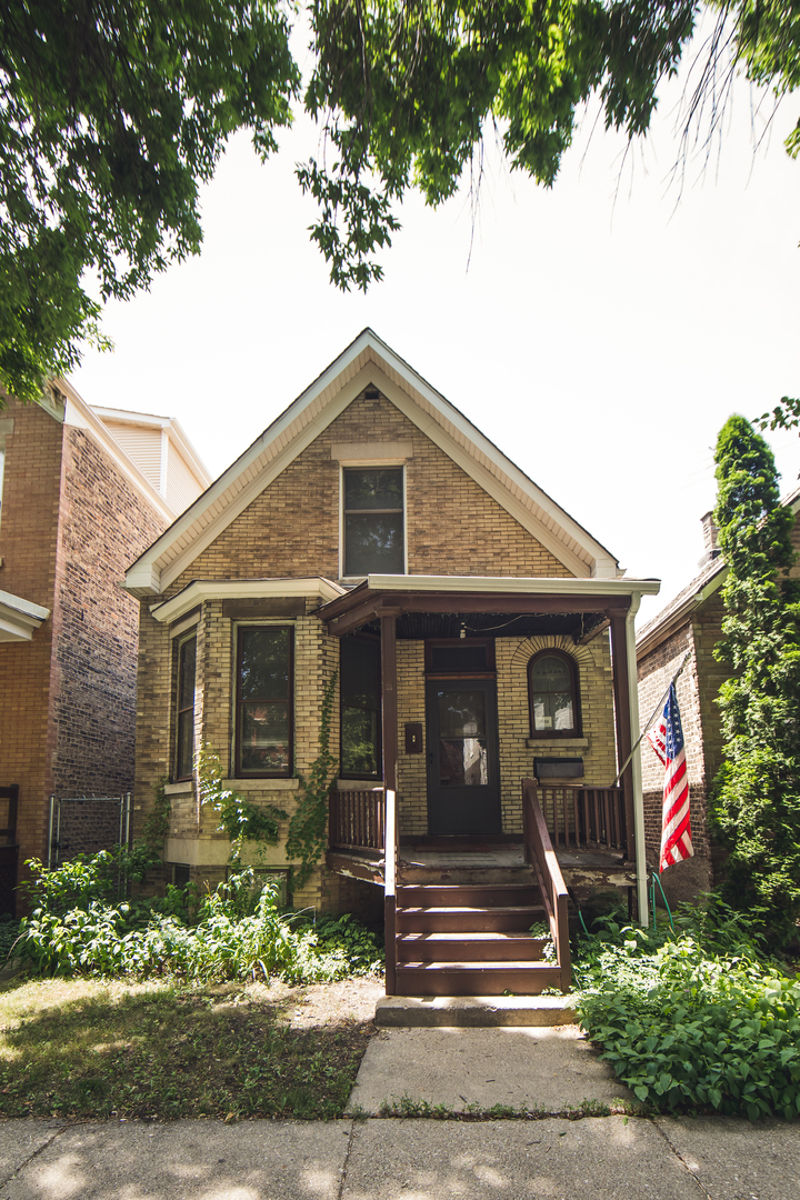 2432 Francisco ,Chicago, Illinois 60647