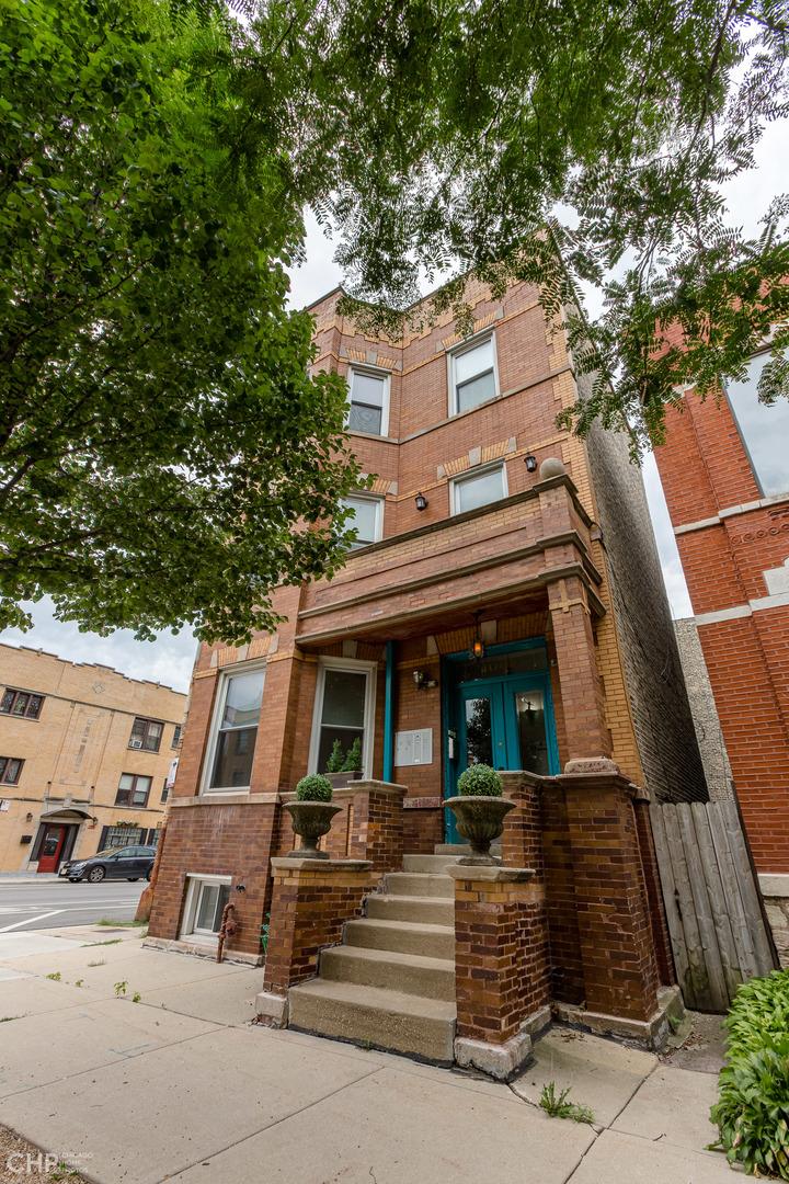 1000 N Richmond St apartments for rent at AptAmigo