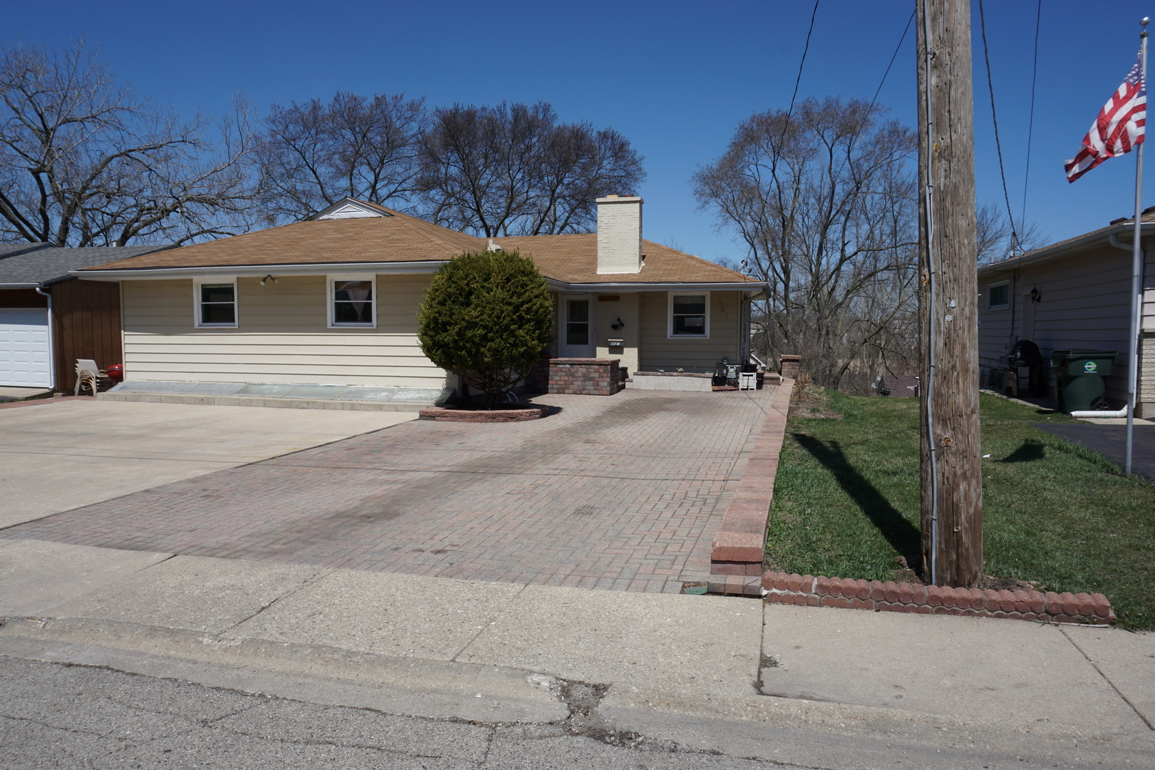 601 ORCHARD STREET, ANTIOCH, IL 60002