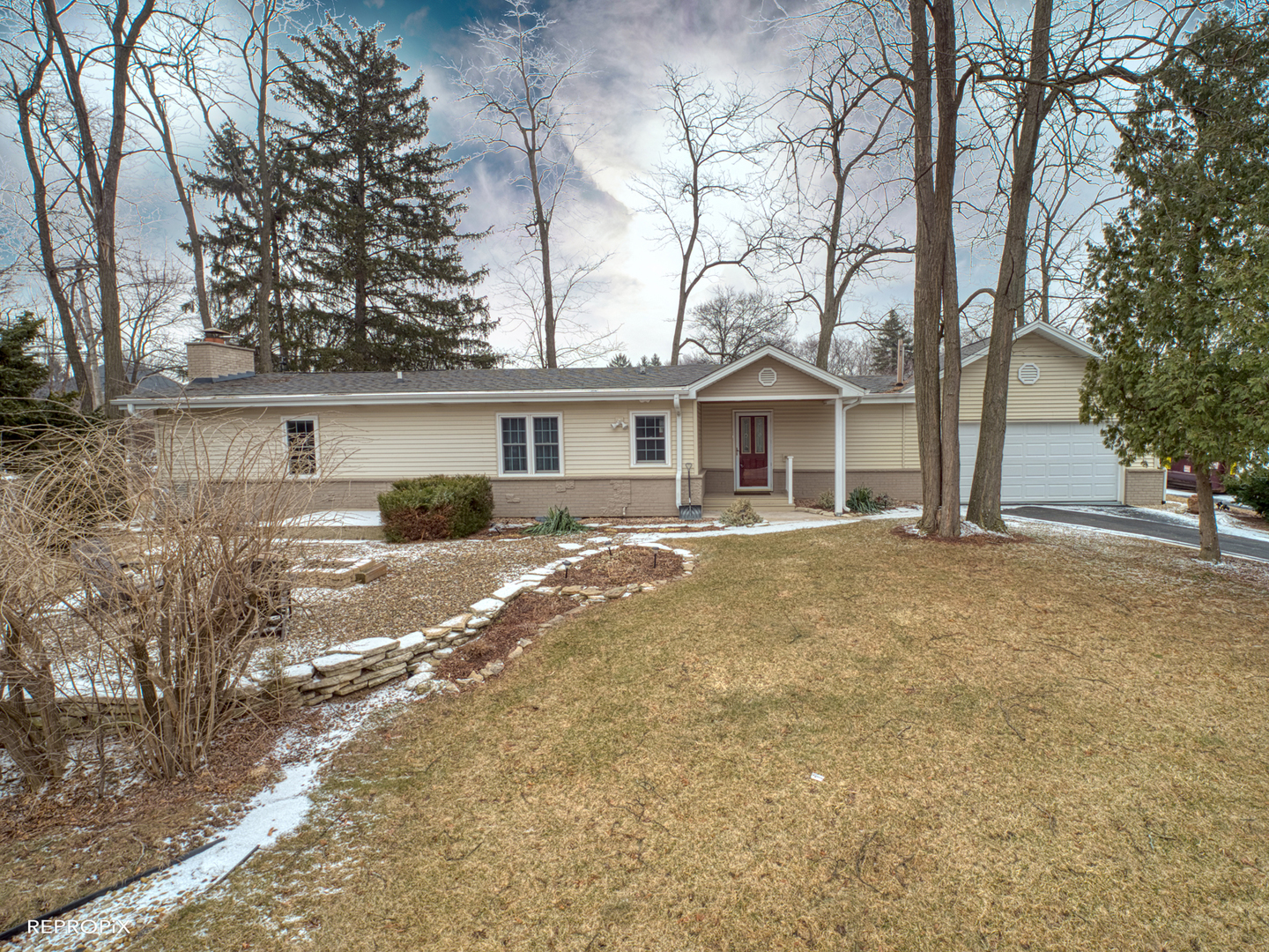 PropertyUP[10027828]|sale|779 Harding Glen ellyn, Illinois 60137
