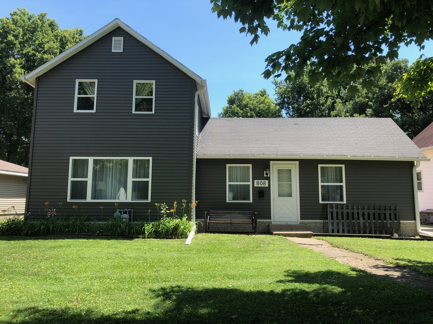 808 1st ,Sterling, Illinois 61081
