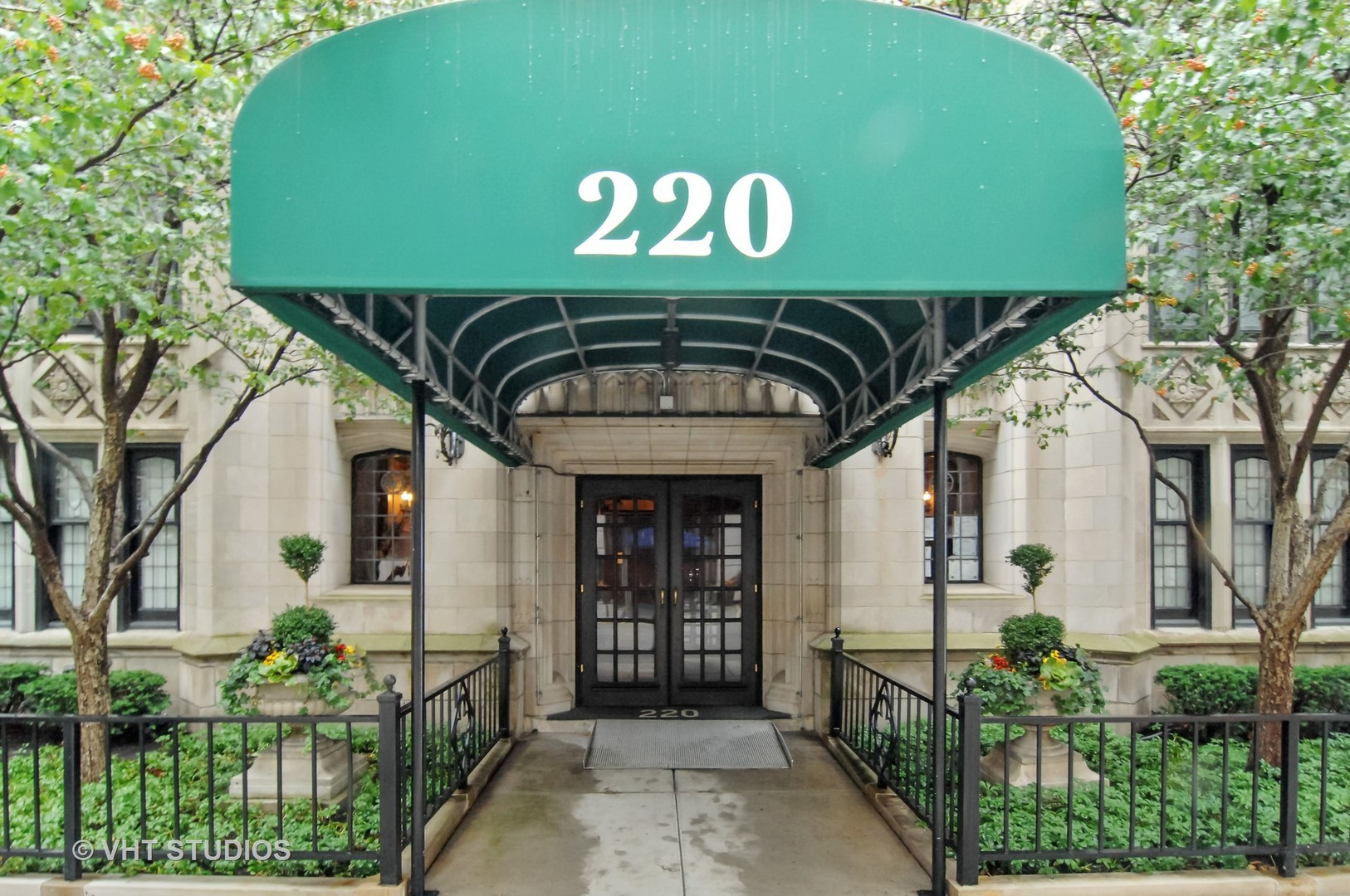 220 East Walton Place, Chicago-near North Side, IL 60611