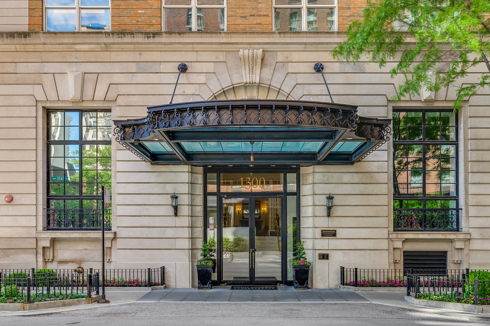 $6,999,000 - 5Br/6Ba -  for Sale in Chicago