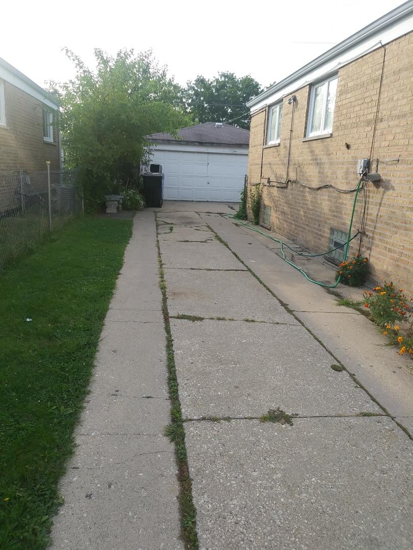 8212 Kildare ,Chicago, Illinois 60652