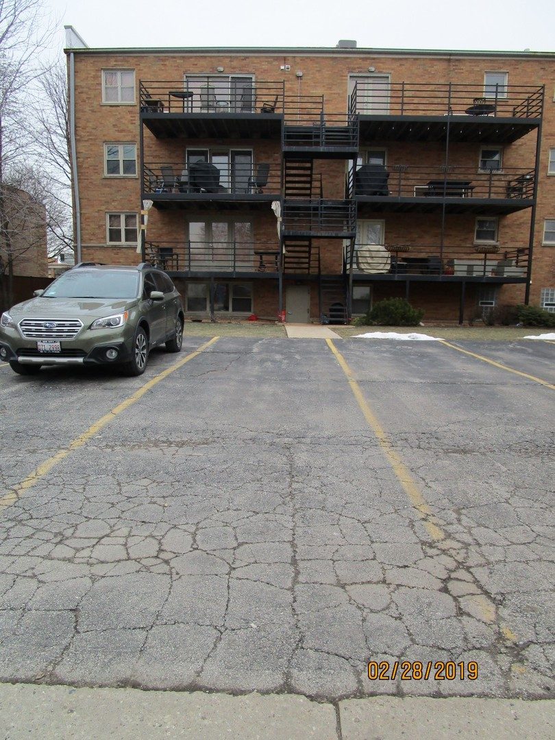 Extra-long parking space easily able to accommodate 2 cars/SUV's.  Available for sale or rent.  Broker owned. THIS PARKING IS A TANDEM SPACE AND CAN BE RENTED OR SOLD WITH NO RESTRICTIONS ON OWNING A UNIT IN THE CONDOMINIUM. PERFECT FOR GUEST PARKING, POSSIBLE RENTAL INCOME OR LONG TERM INVESTMENT IN AN APPRECIATING AREA. SOLD AS-IS, VIEW / INSPECT PRIOR TO SUBMITTING AN OFFER. THIS PARKING SPACE IS BEING SOLD AS-IS, SO PLEASE INSPECT PRIOR TO SUBMITTING AN OFFER.  PLEASE NOTE: 0% TAX PRORATIONS ARE OFFERED, THE SELLER WILL PAY CURRENT AND ALL PRIOR TAX BUT 0% CREDIT FOR FUTURE BILLS.  SPECIAL WARRANTY DEED AT CLOSING. NO SURVEY.  FOR FASTER RESPONSE PLEASE USE SELLERS CONTRACT, ADDENDUM AND DISCLOSURES UNDER DOCUMENTS.