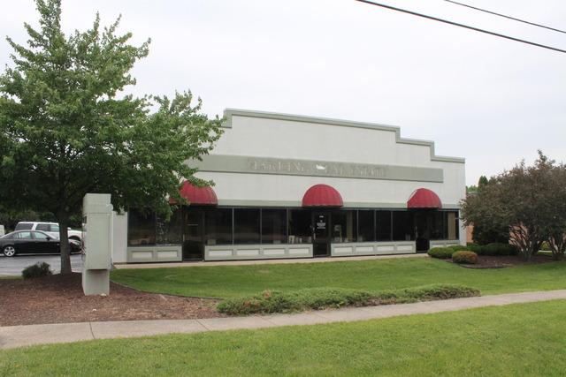 1710 Eastwood, Woodstock, Illinois 60098