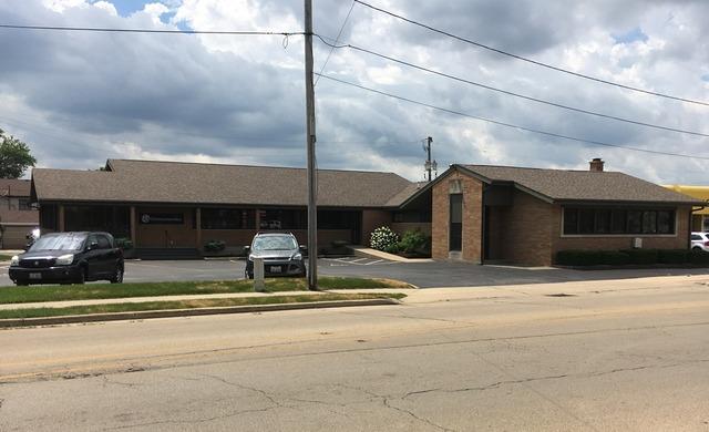 114 Everett, Dixon, Illinois 61021