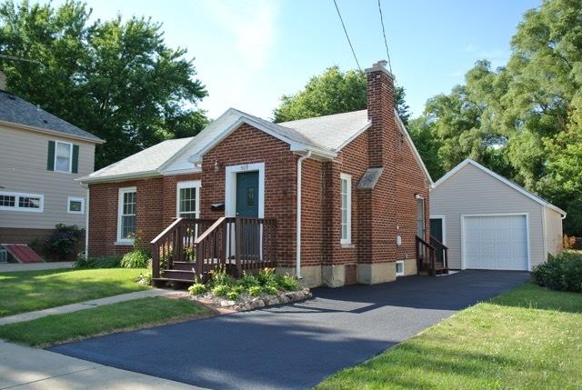 509 Burbank ,Woodstock, Illinois 60098
