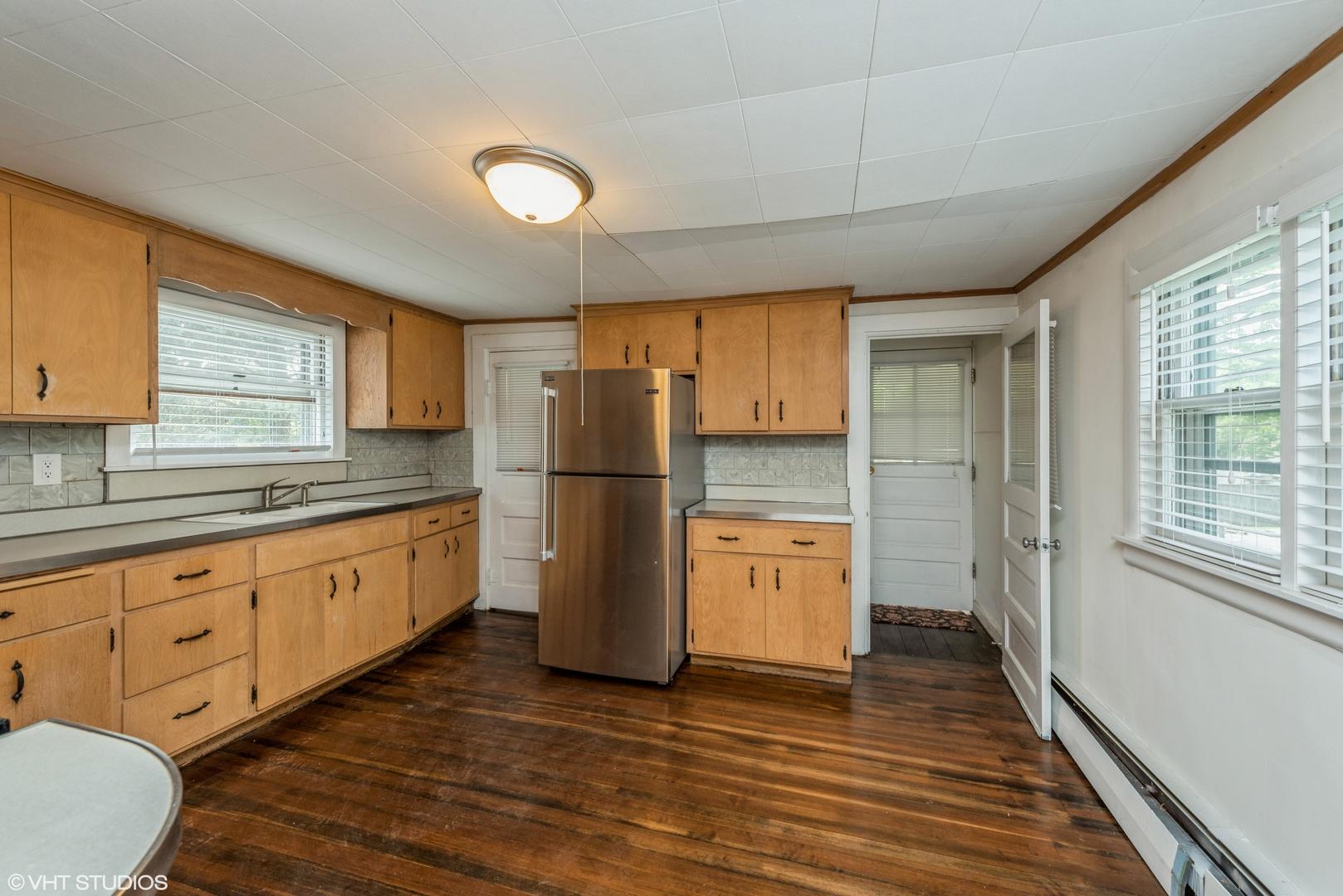 209 Main ,Barrington, Illinois 60010