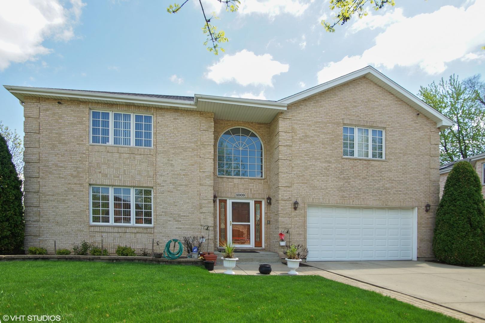1009 Wildwood Lane, Mount Prospect, IL 60056
