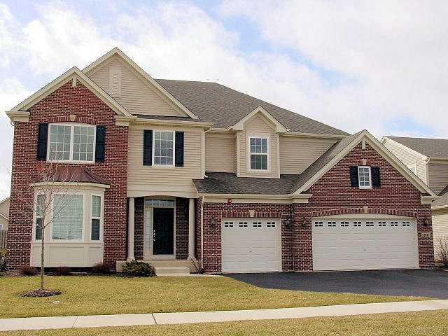 5897 Chatham Drive, Hoffman Estates, IL 60192
