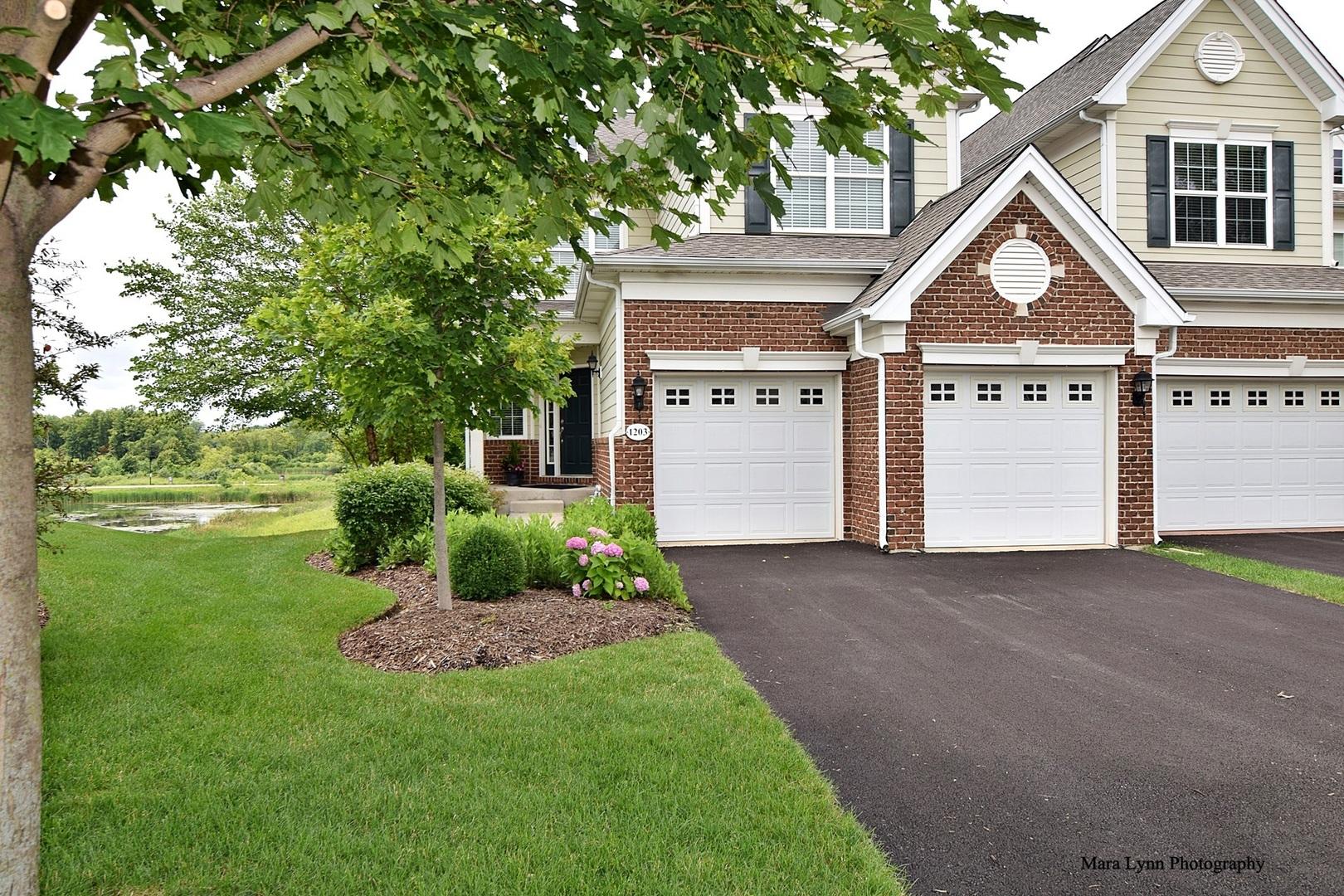1203 Falcon Ridge Drive Drive, Elgin, IL 60124