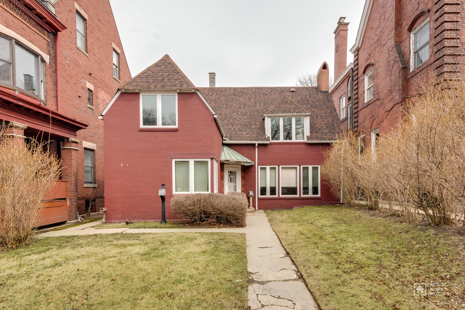 5527 SOUTH WOODLAWN AVENUE, CHICAGO, IL 60637