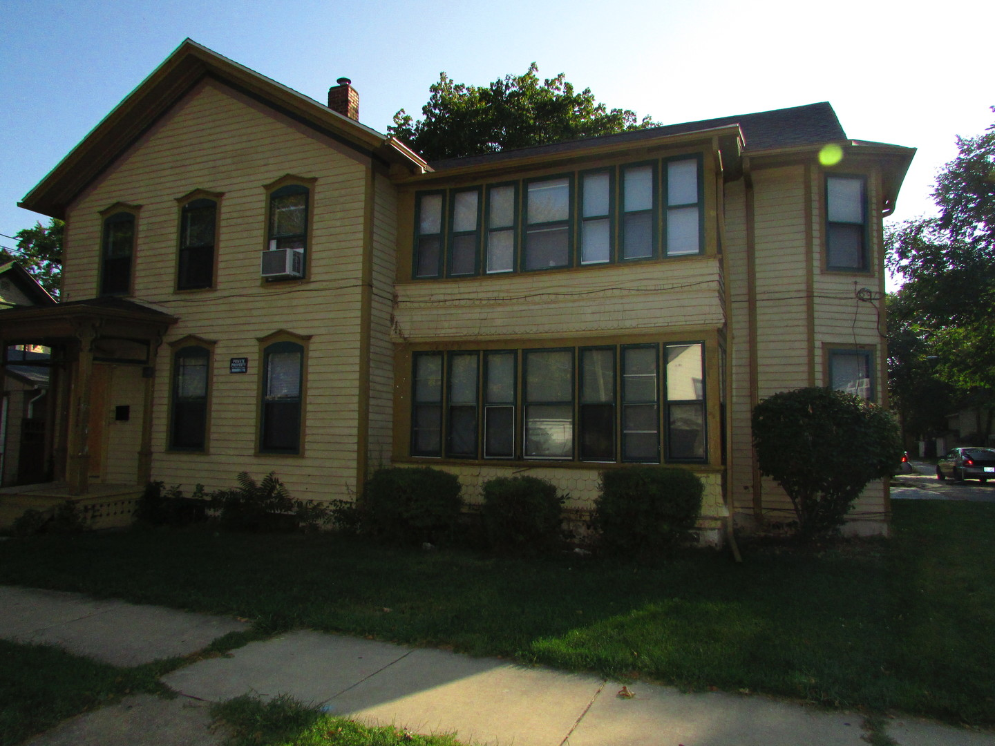 $184,900 - 5Br/Ba -  for Sale in AURORA