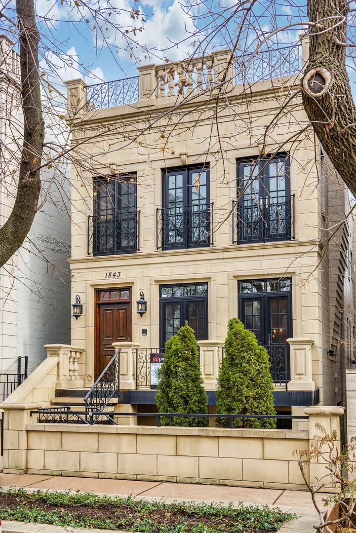 1843 N Winchester Avenue, Chicago, Illinois 60622