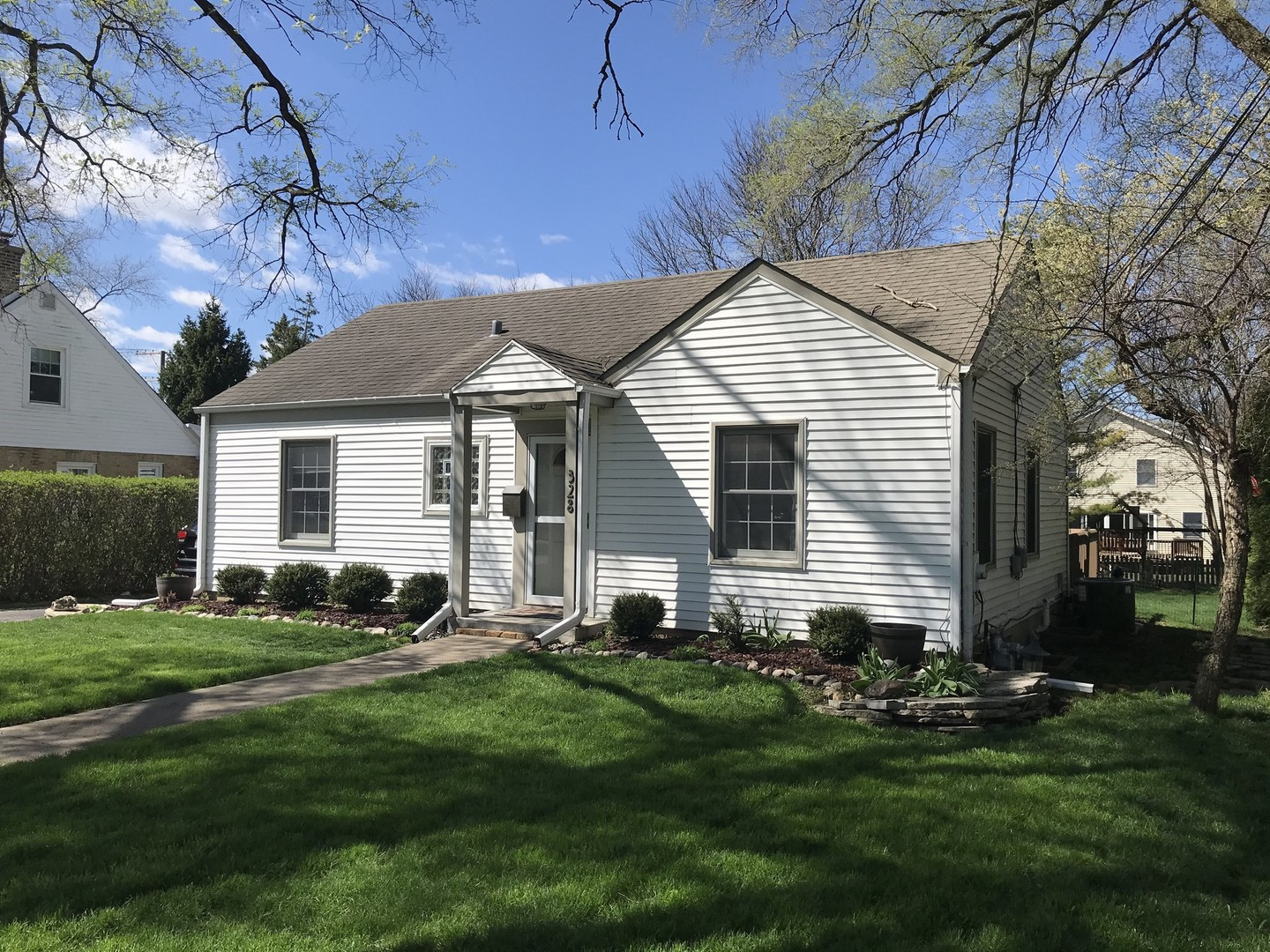 328 Lincoln ,Barrington, Illinois 60010
