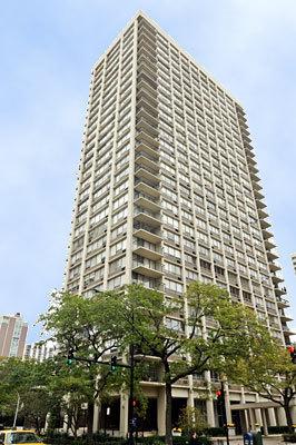 88 WEST SCHILLER STREET #1404, CHICAGO, IL 60610