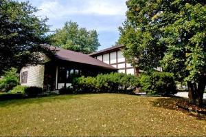 4080 North Parkside Drive, Hoffman Estates, IL 60192
