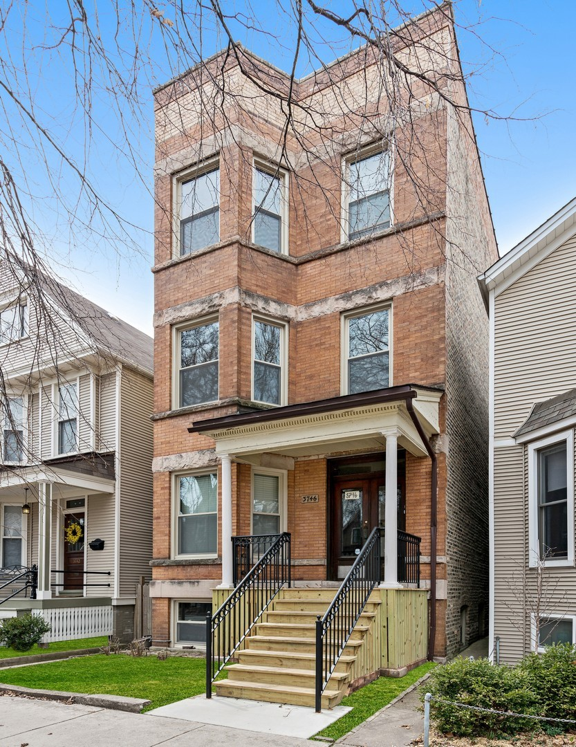 $949,500 - 6Br/0Ba -  for Sale in Chicago