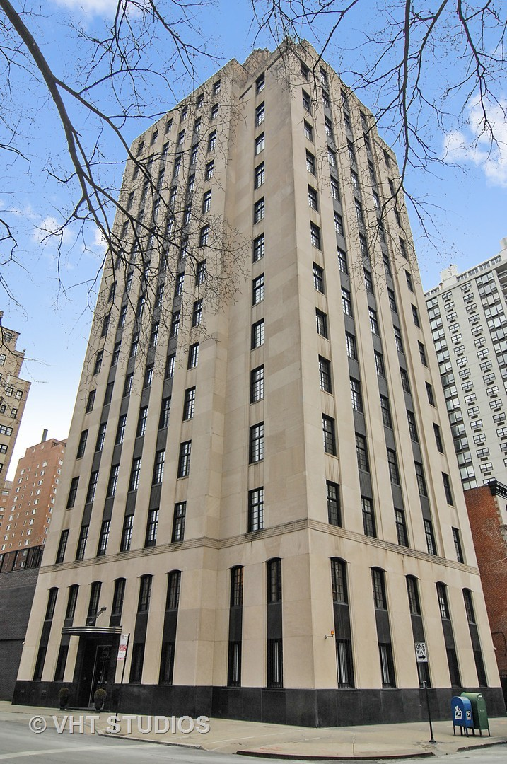 1301 North Astor Street, Chicago, IL 60610