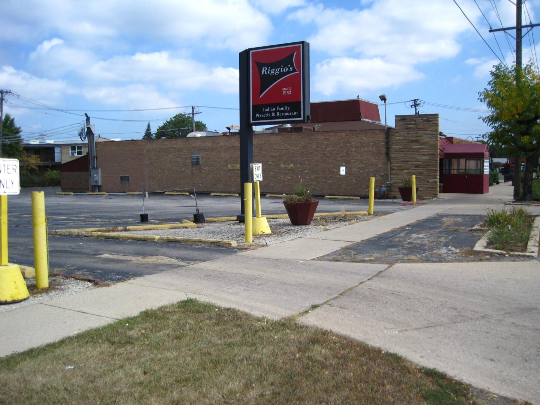 7530 Oakton ,Niles, Illinois 60714