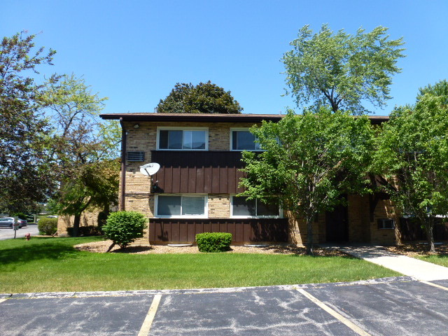 2220 Arbor Circle, Downers Grove, IL 60515