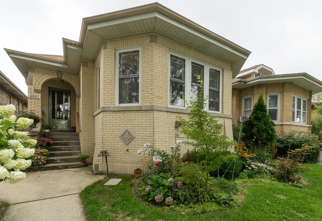 6621 NORTH FAIRFIELD AVENUE, CHICAGO, IL 60645
