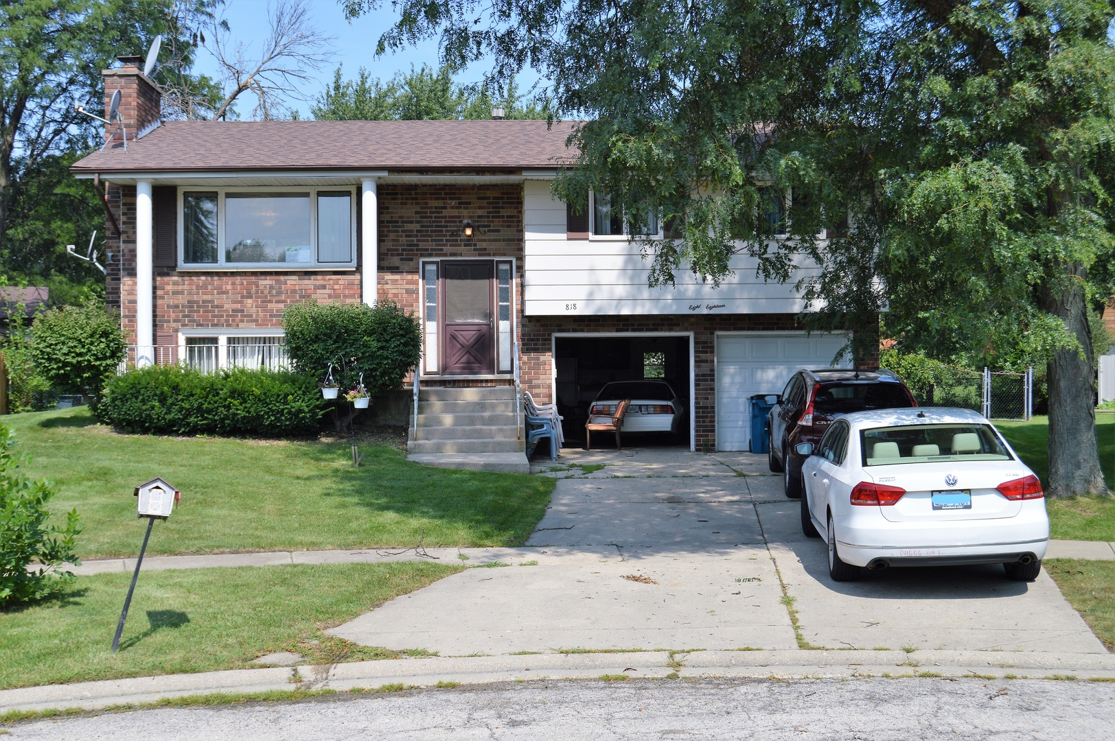 818 Brentwood Court, Schaumburg, IL 60193