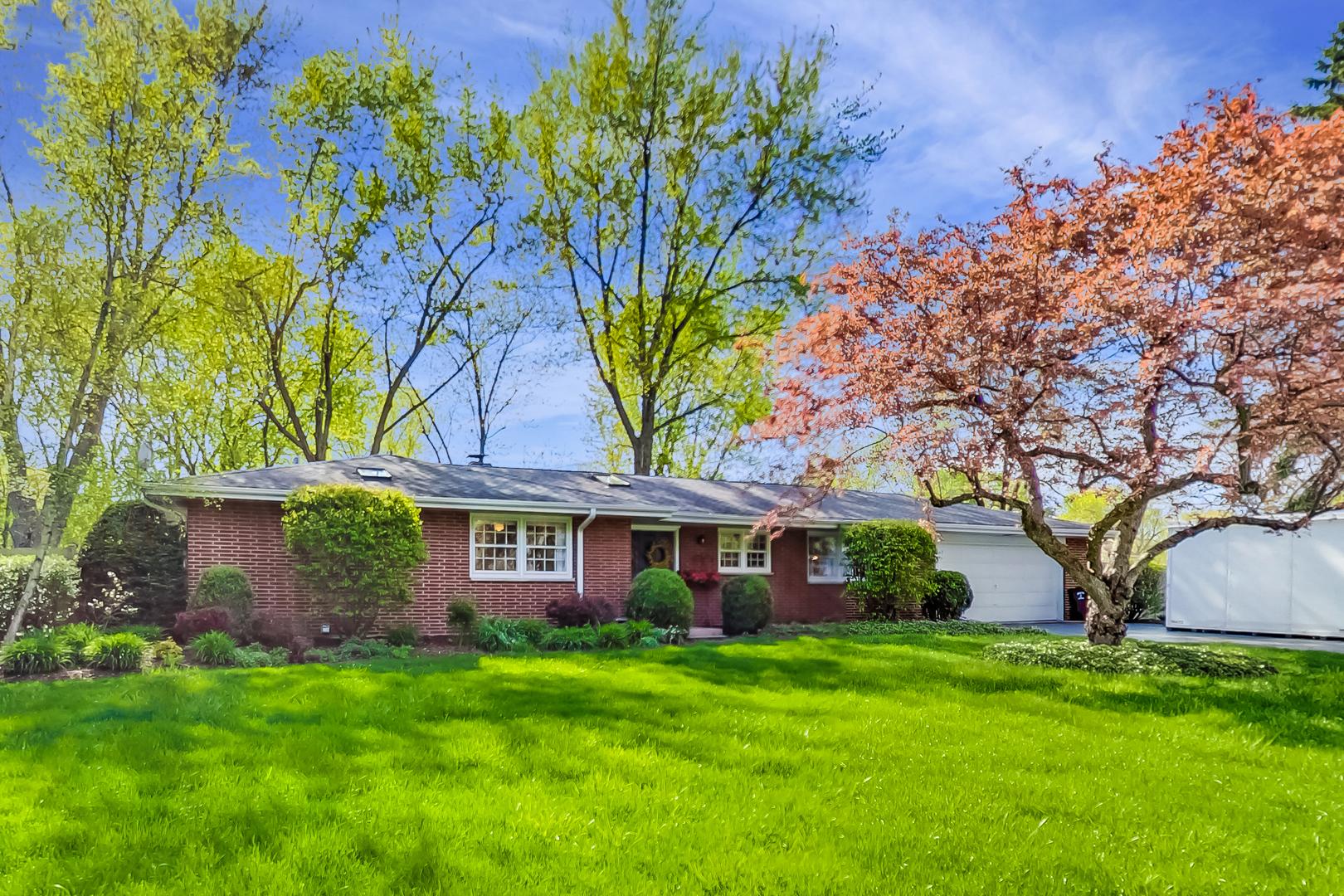 185 Crescent Knoll ,Green Oaks, Illinois 60048