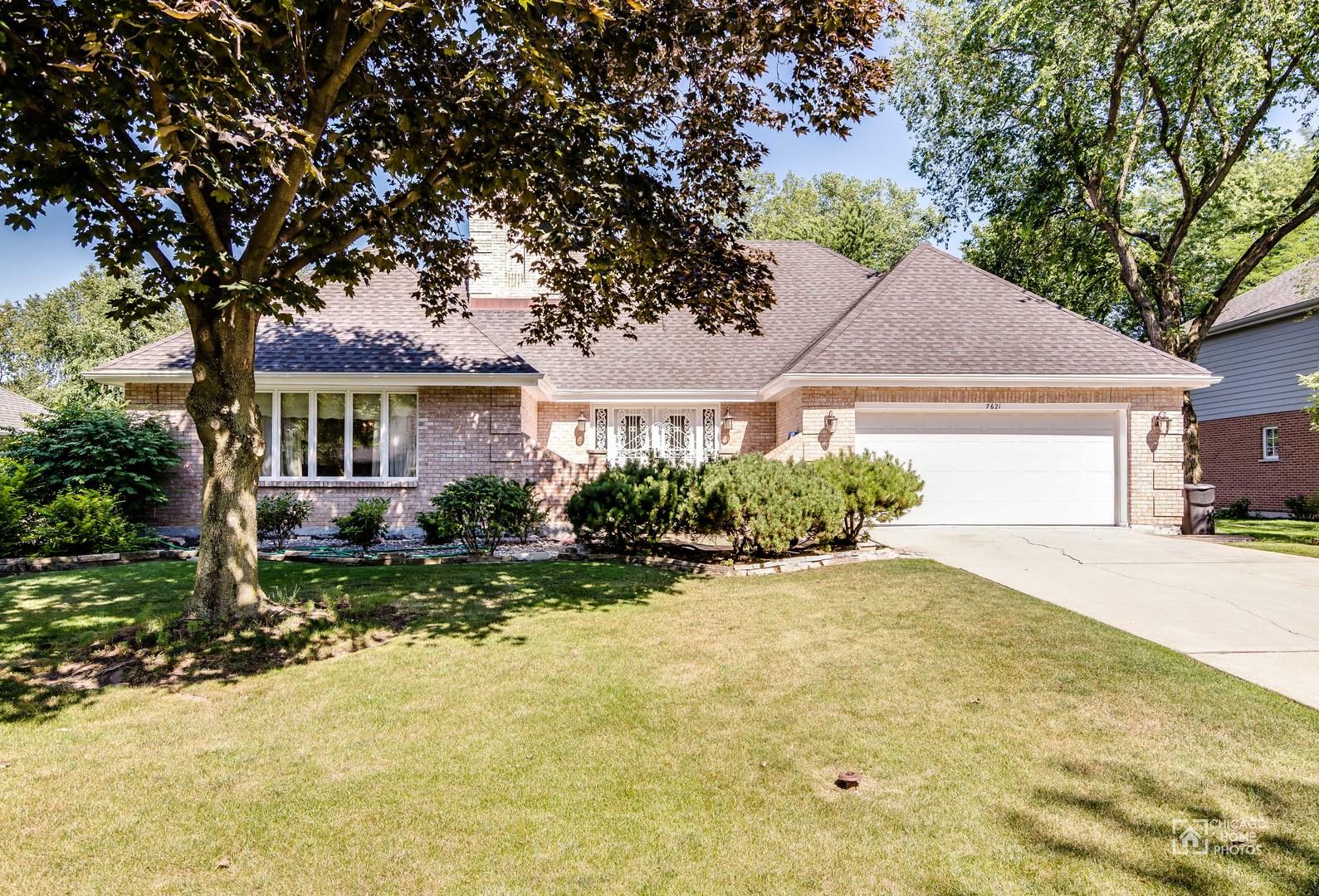 7621 Ridgewood Lane, Burr Ridge, IL 60527