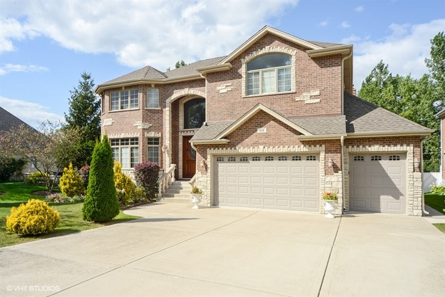 $664,000 - 5Br/6Ba -  for Sale in Addison