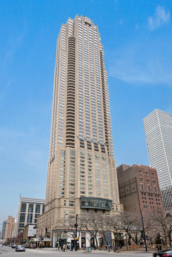 800 N MICHIGAN Avenue 4201, Chicago, IL 60611