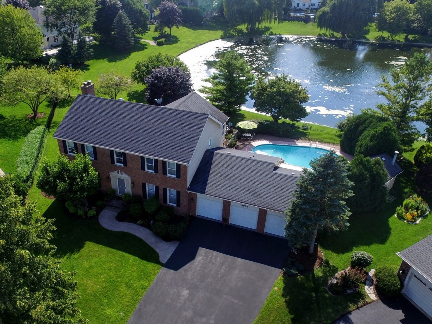 4984 Thornbark Drive, Hoffman Estates, IL 60010