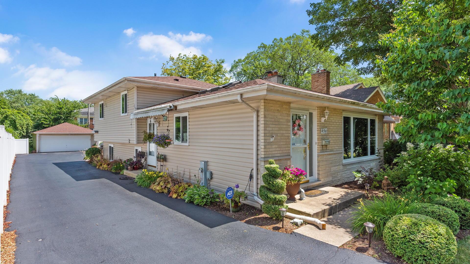 635 Highview ,Addison, Illinois 60101