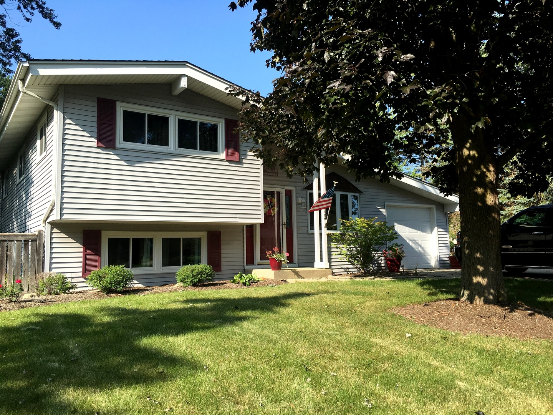 2512 Magnolia, Lindenhurst, Illinois 60046