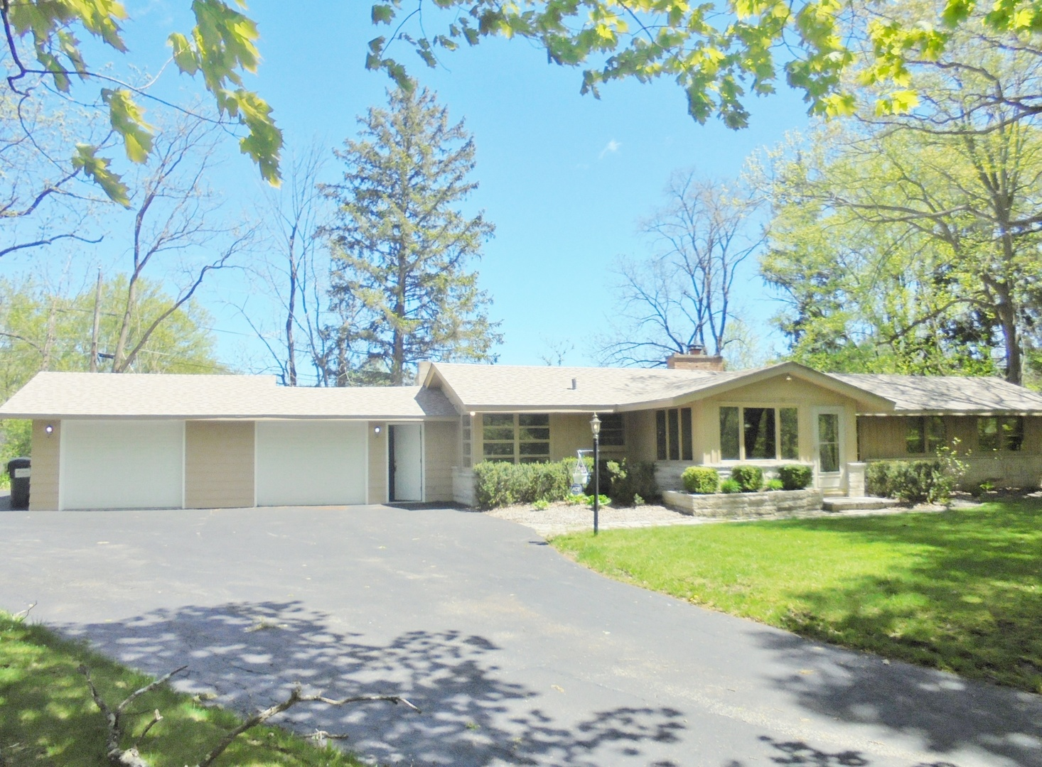 10752 WEST WADSWORTH ROAD, BEACH PARK, IL 60099