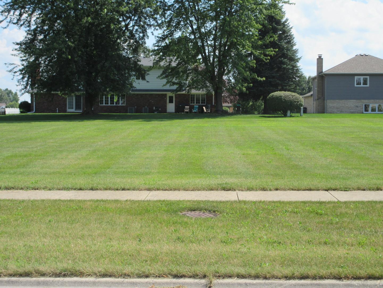 272 Orchard Ln, Beecher IL 60401