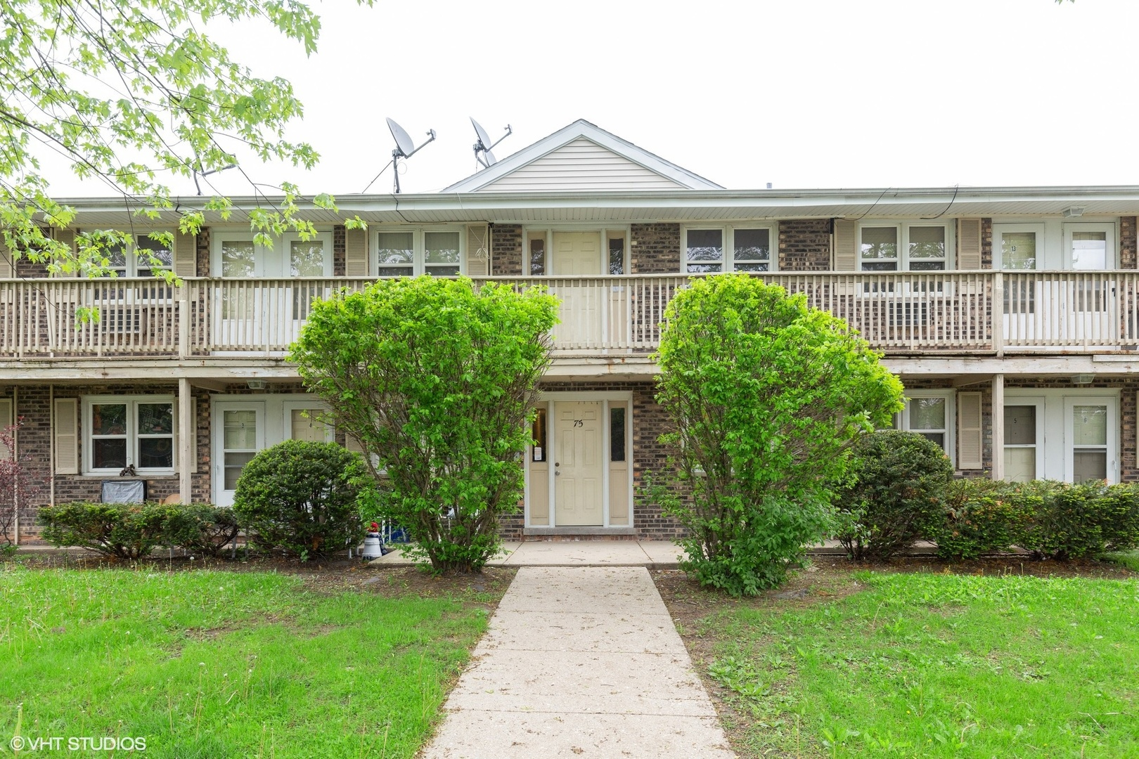 75 Willard Avenue # 11 ELGIN IL 60120