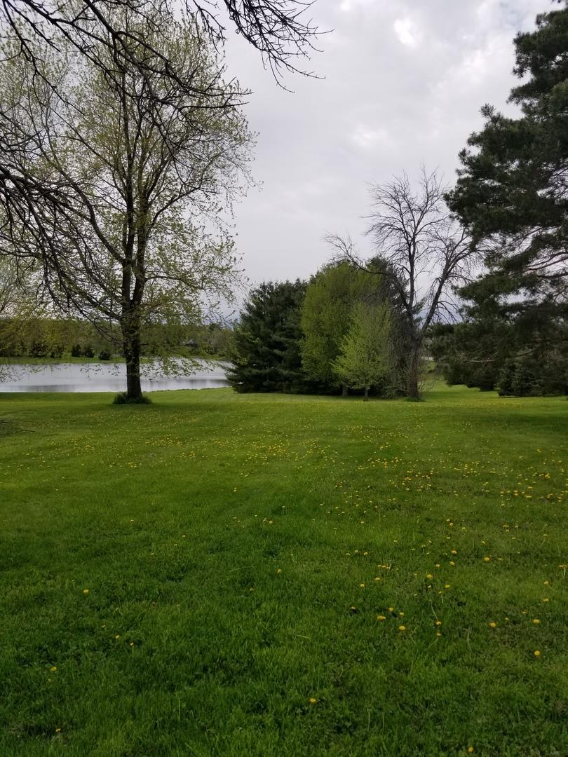 lt3 4 Country Side ,Elkhorn, Wisconsin 53121