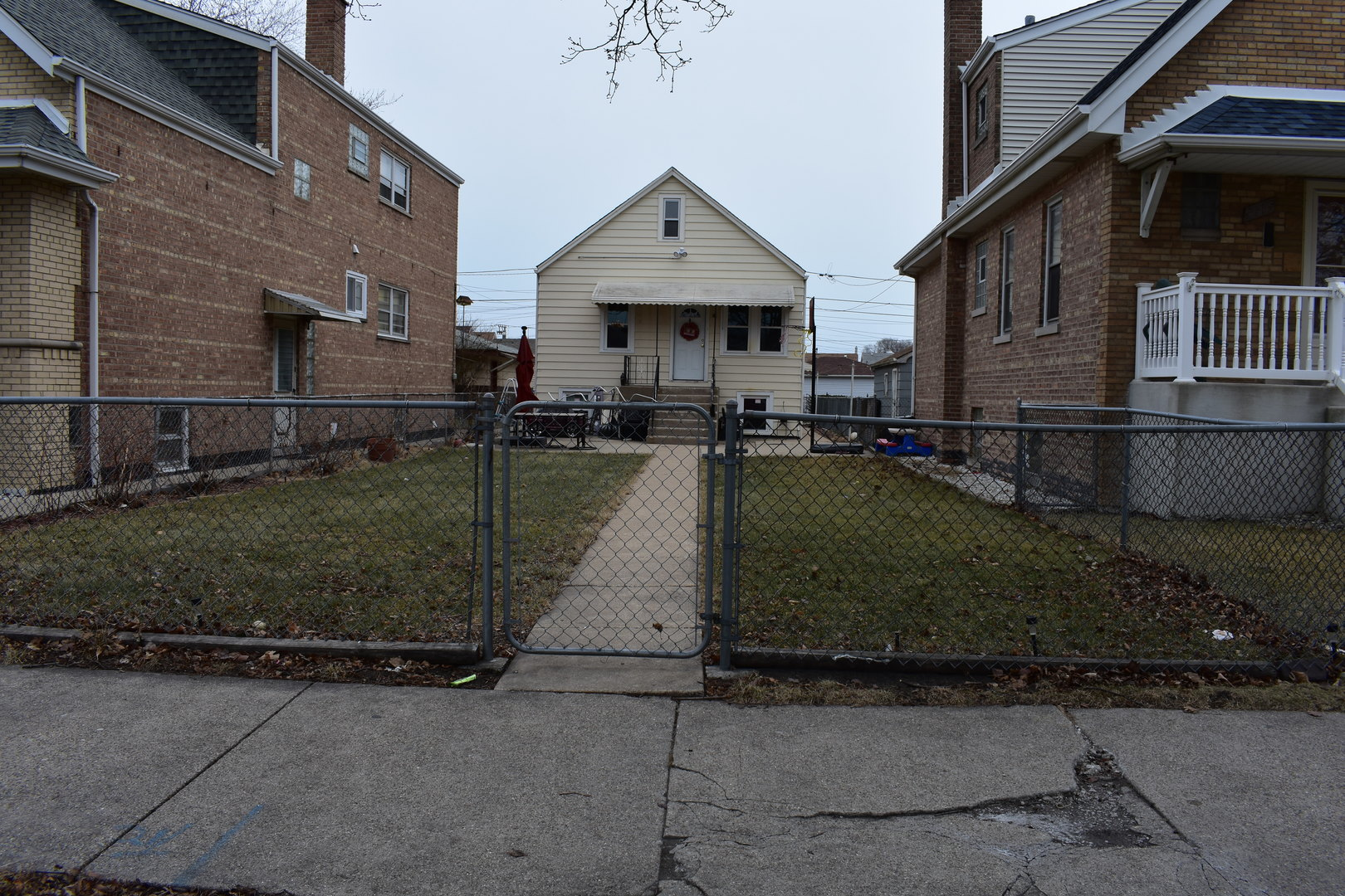 5611 Karlov ,Chicago, Illinois 60629