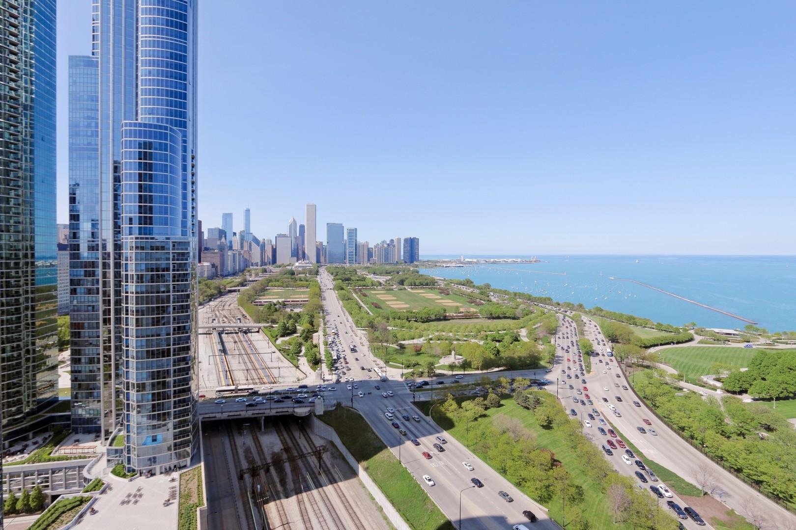 233 13th Unit Unit 1802 ,Chicago, Illinois 60605