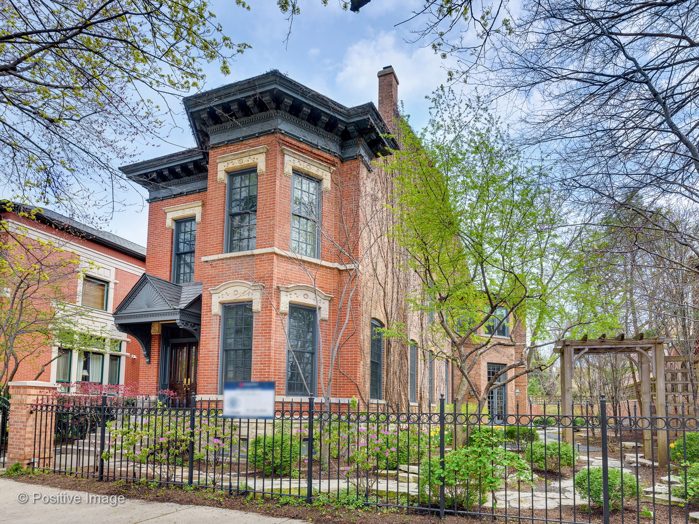2217 N Burling Street, Chicago, Illinois 60614